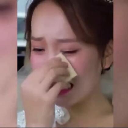 结婚当天前男友哭着追😭新娘也哭了😭#精美电影#