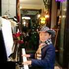 《镜中的安娜》,送给大家,这首美妙恬静的世界名曲,一定令人陶醉。祝大家新年好心情!(❁´◡`❁)*✲゚*特别送给@鼎一i 姐姐,谢谢一直以来不变支持与鼓励。#钢琴##音乐##精选#
