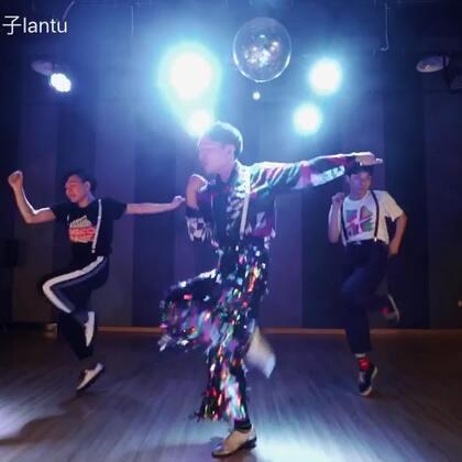 #舞蹈#@TheFame舞蹈工作室 🐰去年十二月Waacking课的编舞《Rasputin》Boney.M🔥🔥🔥🕺🏻🕺🏻🕺🏻背带三兄弟@Fame_BOYCE @Fame_XxxFF #Waacking##魔性舞蹈#