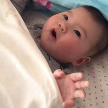 小眼儿大脸彤三个半月啦😄特别想起来,一点都不想躺了#宝宝#