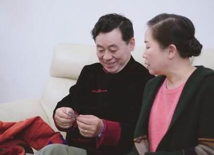 通过儿子外套里藏着的东西,老婆发现了老公深藏已久的秘密……@美拍小助手 #搞笑##热门#