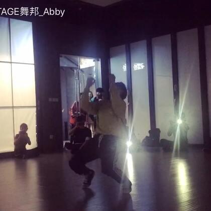 """#舞蹈#??""""你的名字""""(是因为我打不上日文哈哈哈哈??)那天听到它很感触?? 后面freestyle了一段.. 其实我也不知道我在跳什么.. 哈哈哈哈 希望你们喜欢??#abby编舞#@SINOSTAGE舞邦 @美拍小助手"""