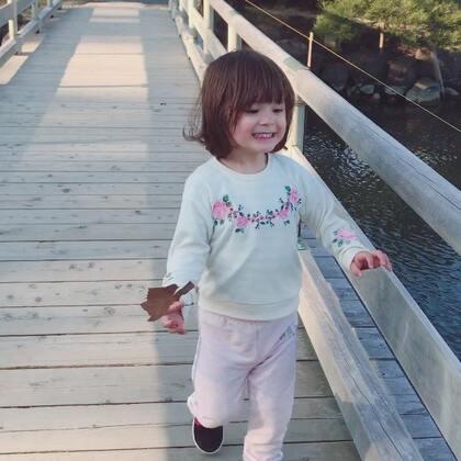 #小团子#过桥,差点出意外,一刻都不让人省心😭#宝宝#
