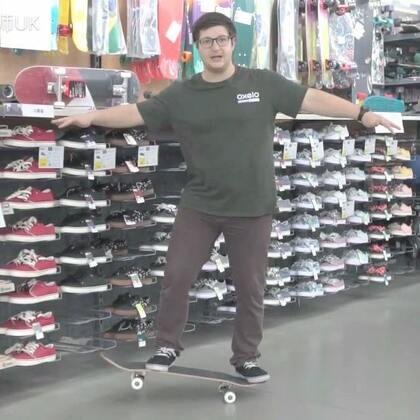 #波比老师的滑板课# 第五课: 如何Manual。在评论里你们可以告诉我,你们想要学什么滑板动作?#迪卡侬滑板课##滑板#