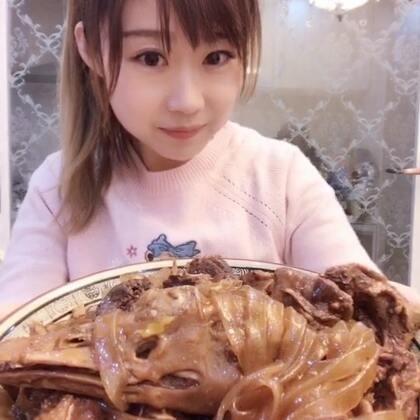 #吃秀##吃粉条##美食#大鹅炖粉条😋✌️超级无敌好吃!哈哈!视频中后段,小心别被吓到😁❤️❤️❤️😊
