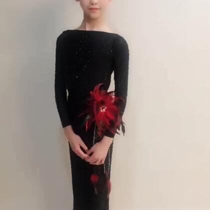 @💃应苏梦💃 #穿秀#拉丁舞服#歌曲《最好的我》,美衣出自@薇妮舞服💃💃豌豆 ,喜欢就留下你的小脚丫!😘😘😘