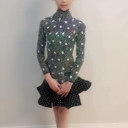 @💃应苏梦💃 #穿秀#拉丁舞服#歌曲《演员》,@薇妮舞服💃💃豌豆精制美衣😘😘😘