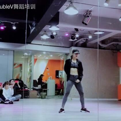 #舞蹈#寒假集训的最后一只舞!帅到没朋友是啥感觉?好想知道😍导师:YuNa