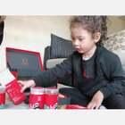 感谢美图公司寄来的新年礼盒,我们现在才打开😜评论区里抽三位朋友,随机送出视频里的点心一盒。 #momo拆礼物##宝宝#