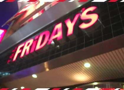 [上集] 练笑威和藏镜人决定在FRIDAYS星期五餐厅挑战五个任务,挑战失败者,付、全、额! 啾净,是谁输到跟千元大钞说掰掰,就让我们继续,看~下~去~ #我要上热门##星期五餐厅##美食#