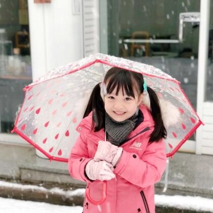 #宝宝##梨涡妹妹金在恩#你们也和在恩一样喜欢在冬天玩雪吗?❄️❤️