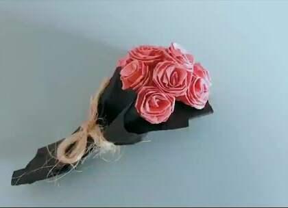 迷你折纸玫瑰花束,太小巧可爱了,真的还没手掌大,BGM:诗话小镇,#手工##diy##折纸#