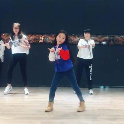 #精选##我要上热门#魏艺萱 每周一舞
