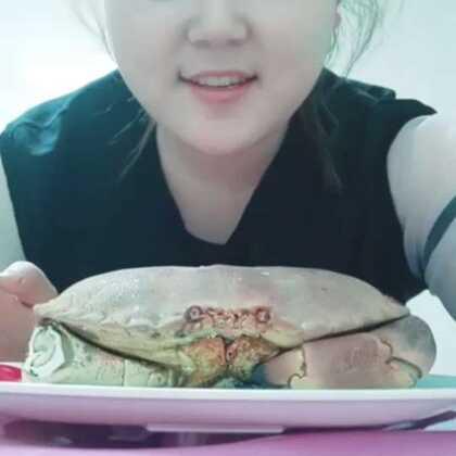 #吃秀#面包蟹很好吃,大家可以去尝试一下。就是有点硬,牙口不好的得悠着点。😂😂