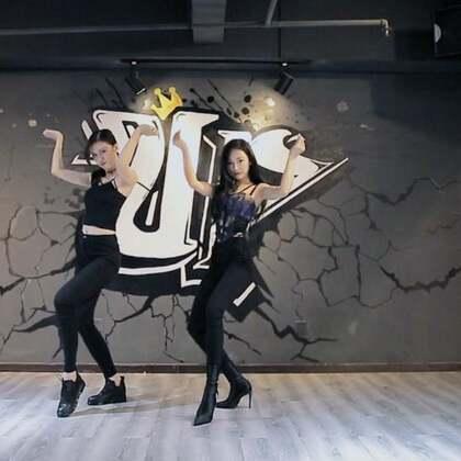 最近超火的卡妹《Havana》双人舞,超热辣性感哟!#精选##舞蹈##跟拍上热门#@美拍小助手 @❤️suki @lulu仙女