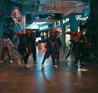 超酷的新疆小美女#Urban##舞蹈##街舞#