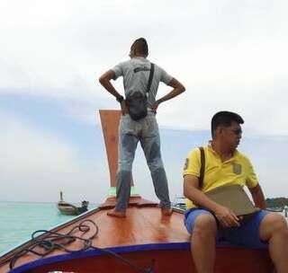 奇葩设计! 泰国这座海岛的码头竟然在海中央, 想离岛要坐两次船!#我要上热门##旅游##泰国#https://item.taobao.com/item.htm?spm&id=565111472347