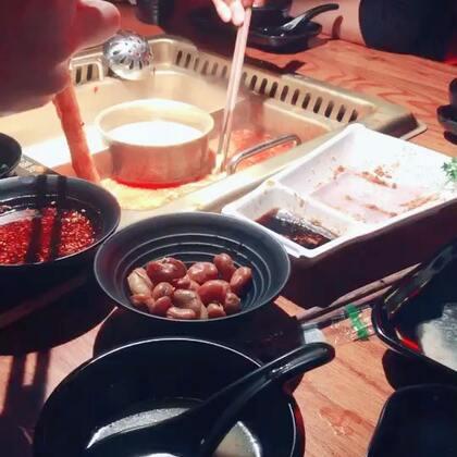 #精选#吃秀,讲真,吃火锅我一个人能吃三份毛肚☺️☺️