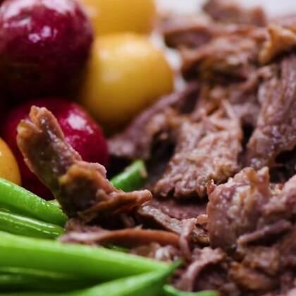 今天不做甜品,换换口味,来一大盘肉肉和蔬菜🍟🍟#美食##我要上热门##半夏食谱#