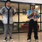旦斯特4月7日8日新加坡Kate&Alif大师课空降昆明!Alif是一个全能型dancer有着很深的hiphop功底~同时他也经常包揽新加坡各项街舞比赛的冠军!Kate的身体feeling真的是好的没有话说,身体的质感和编舞都是我超级喜欢的~#大师课workshop##swag##hiphop#@美拍小助手 @舞蹈频道官方账号
