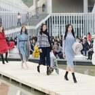 """""""穿出自我""""才是你最酷的打开方式。 #深圳时装周##秀场##时装走秀#"""
