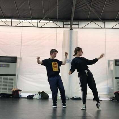 #舞蹈#这次在新加坡和Antonio????的合课。他真的超棒????有太多好的舞者但是他们都很低调或是你们不知道。感恩,收获了很多。谢谢你们.. 我的朋友们???????? 感受到了很多,我爱你们。@美拍小助手 @SINOSTAGE舞邦 #abby编舞#