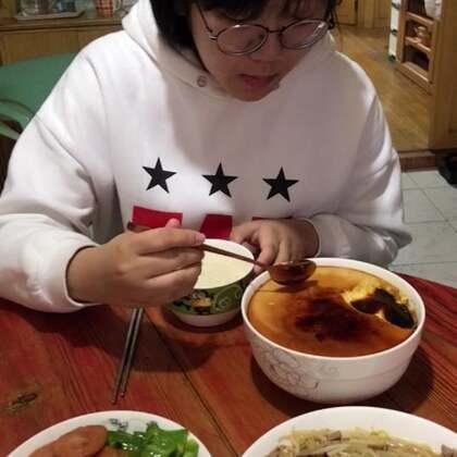 #吃秀##潇岩的早餐#早上好啊!美女们点赞啦!😀ོ