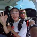 虽然恐高,紧张,很丑。但12000呎高空跳伞我做到了✌️ 想跟宝宝们说,只要你想,一定可以。💪