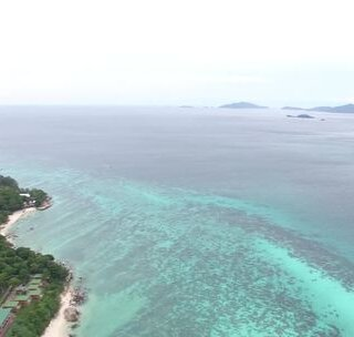 泰国有那么多海岛 为什么我们一定要去这个海岛?#我要上热门##旅游##泰国#海岛旅游防晒很重要哦,不想立即变黑,记得带上它!https://item.taobao.com/item.htm?spm&id=565599715588