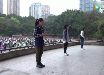 中学生课间操集体热舞,被领舞的仨妹子圈粉了!