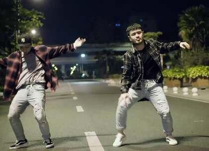 厦门E-Five流行舞蹈工作室 WULAHNE- YC 新作 #热门##舞蹈#@美拍小助手