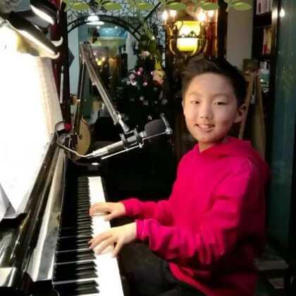 《当你老了》送给亲爱的老爸和干爸!谢谢你俩慢慢陪伴我成长!🌹🌹🌹同时也送给喜欢支持我的您!#钢琴##音乐##校园#