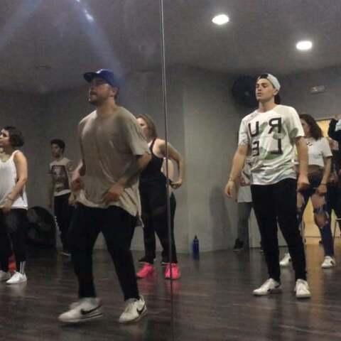 【小伟伟伟伟v美拍】昨天舞蹈课课堂#舞蹈##精选##运...