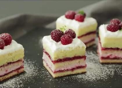#我要上热门##美妆时尚#覆盆子开心果蛋糕,来点不一样的美味~😍☺#美味蛋糕做法#