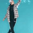 #偶像练习生eiei#一听到这首歌就忍不住想起了各种熬夜投票的时光,蔡徐坤&陈立农&范丞丞&Justin&林彦俊&朱正廷&王子异&小鬼&尤长靖&全体练习生,希望你们能始终如一,未来可期!美拍上的很多达人也用《EIEI》舞蹈为自己PICK的练习生们疯狂打call!未来的路,全民制作人们,请继续关照!💕