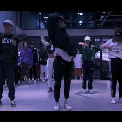 URBANANIMAL世兽  WORKSHOP   MELVIN TIMTIM DAY1 👉🏻学生分组 #舞蹈##melvin timtim##urbananimal#@UrbanAnimal谭梦 @UrbanAnimal肖菲 @UrbanAnimal哈哈 @UrbanAnimal冰冰