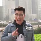 山东班主任去北京旅游,全程却和墙杠上了,全程爆笑。#我要上热门##搞笑#