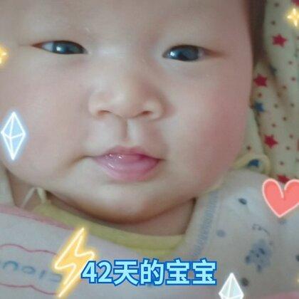 #美拍霓虹荧光趴##宝宝#有时候还会笑,😊😊