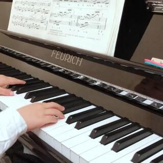 #音乐##钢琴##5周岁#钢基2: 二月里来。最近奖励冰棒棍深得他心,练琴效率不错的,不管弹得好不好,妈妈👩都觉得你棒棒的哒!