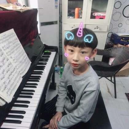 小米宝宝666演奏完全自己预习的《车尔尼599No.71》左手的保持音,右手的呼吸,两只手的不同力度演奏和踏板的匹配。我们米宝做的都很好,这是由心理解,由手表达的真正实力。赞赞赞👍