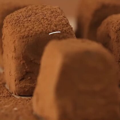 用自制代替代购,这款生巧的方子一定要学会哟~转发+评论,说说你和巧克力之间都发生过哪些有趣的事情,抽4个人每人送100元零食红包~#美食##生巧#