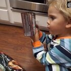 (完整版)美国加州3岁的小宝宝Tydus,想要给妈妈一个惊喜。于是精心准备了一份大餐等她回来,虽然你认真的样子很可爱。但看到最后我真的忍不住爆笑啊😂#宝宝#