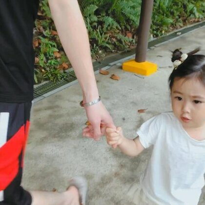 到了新加坡以后一家三口相继病倒,然而该玩该工作还是没落下,就是视频剪辑耽误了,我道歉🙈发这条证明一下我有在做记录😆#宝宝##金宝在路上##金宝3y+2m#+28