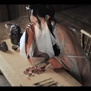 #汉服摄影# 凄凄复凄凄,嫁娶不须啼。 愿得一心人,白头不相离#我要上热门#