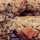 ✨燕麦黑芝麻高纤饼干😋最近在减脂,想吃饼干还怕胖,就撸了这款饼干,口感酥脆,每吃一口都是满满的芝麻和核桃,越嚼越香,重点比市面上卖的饼干热量低,代餐很不错😘#美食##精选##甜品#