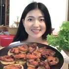 香辣土豆烤五花肉~味道太好吃了!卷生菜吃特别棒,不用吃主食啦!又是汤又是生菜,小白就满足说自己瘦了,笑死我了,哪有那么快啊!#美食##小白亲子厨房#