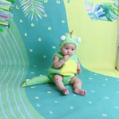 小恐龙吃磨牙饼干🍪#宝宝#我的小琛琛9个月15天纪念写真❤️