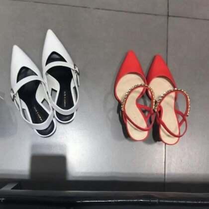 买高跟鞋啦 纠结了半天买了橘色 比较舒服一些 鞋子还是要舒服才行呐!#购物分享##穿秀##美妆时尚#