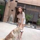 跟狗狗一起玩耍的一天#宠物##穿秀##女神#