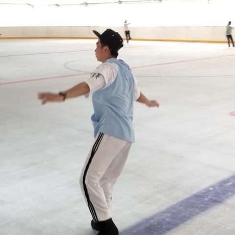 【卷卷哟.美拍】#精选##运动##花样滑冰#花样滑冰...